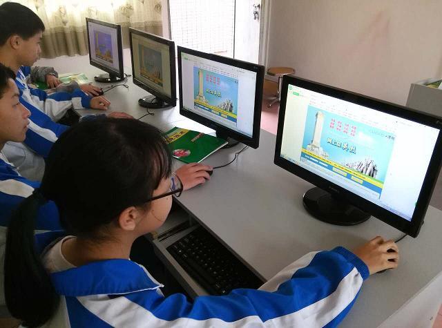 组织学生网上祭英烈